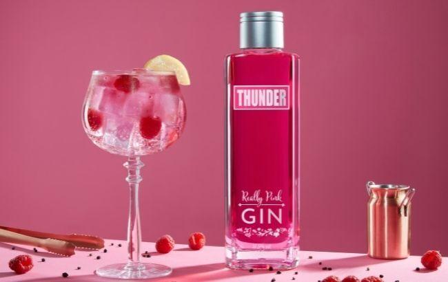 Vibrantly Hued Gin Spirits