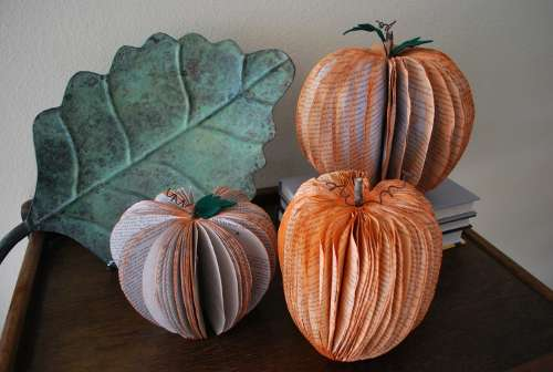 Diy Paper Jack O Lanterns Recycled Book Pumpkin Decorations