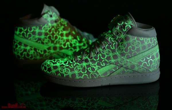 Glow Stick Sneakers : Reebok and USLU