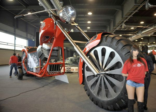 Giant Record-Breaking Bikes