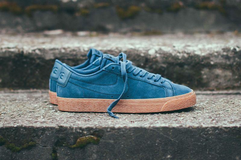 Monochromatic Retro Casual Sneakers