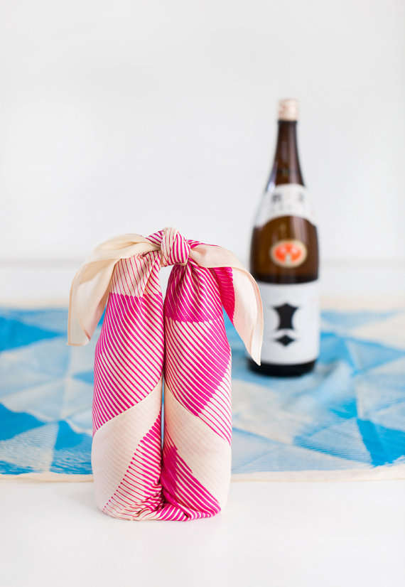 Graphic Recyclable Gift Wraps