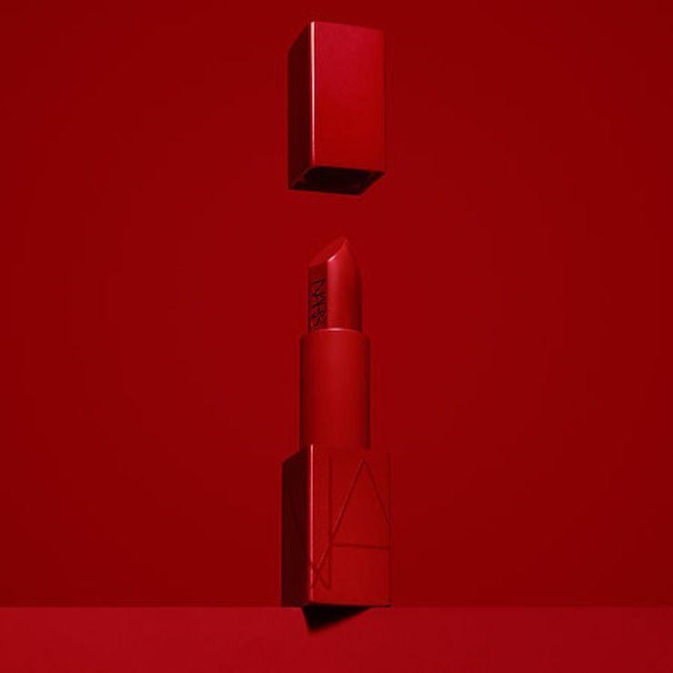 Holiday-Themed Lipstick Updates