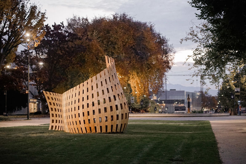 Robot-Made Wooden Benches