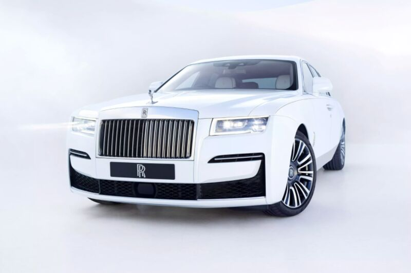 Luxuriously Minimal Autos