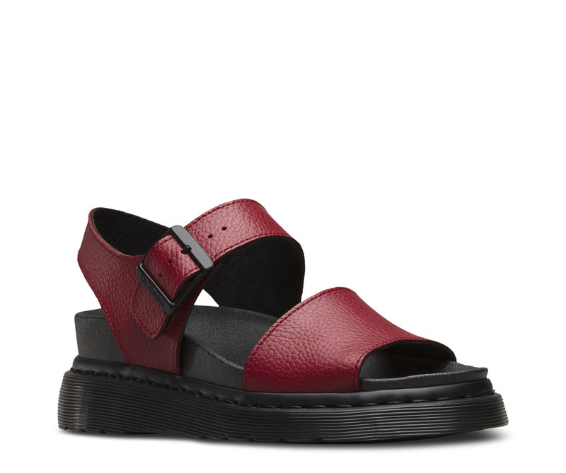 Comfortable 90s-Inspired Sandals