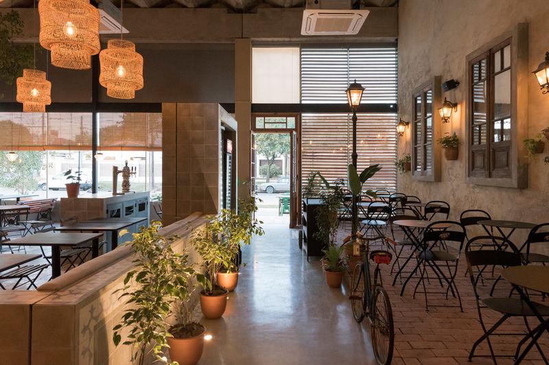 Street-Style Rustic Pizzeria Interiors