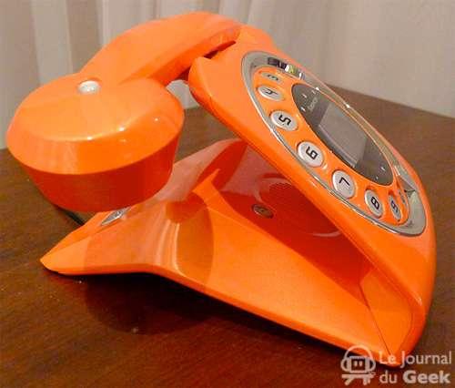 Sleek Old School Dialers Sagemcom Sixty Phone
