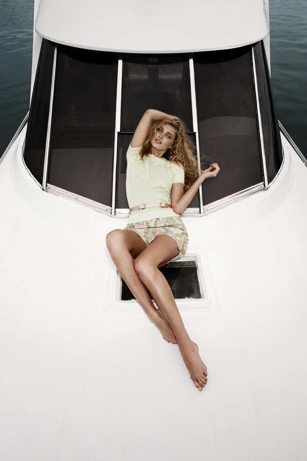 Sleekly Glamorous Yachting Fashion Sailor Fashion