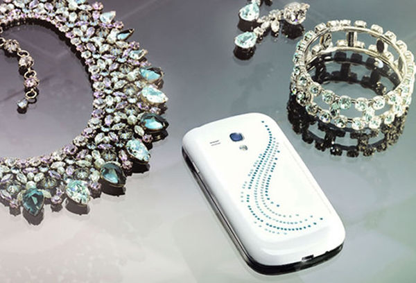 Luxuriously Adorned Smartphones