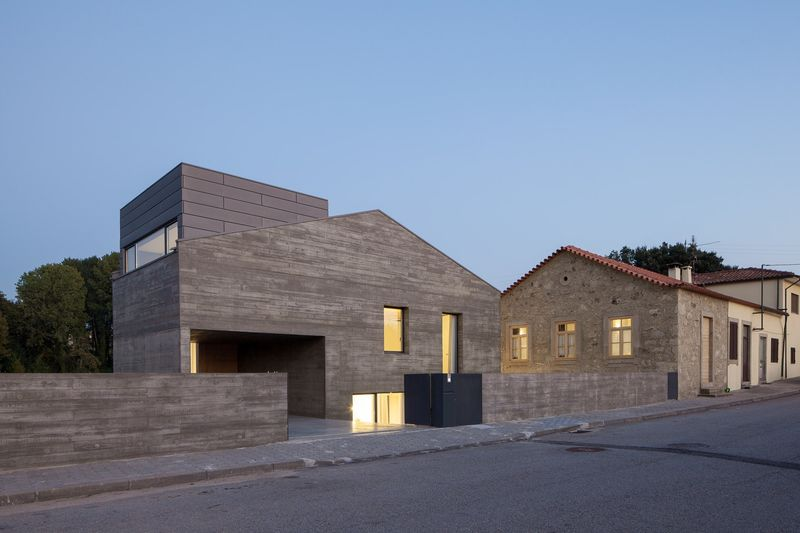 Contemporary Wooden Rural Homes