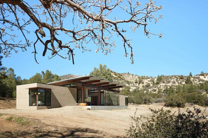 Self-Sufficient Desert Retreats