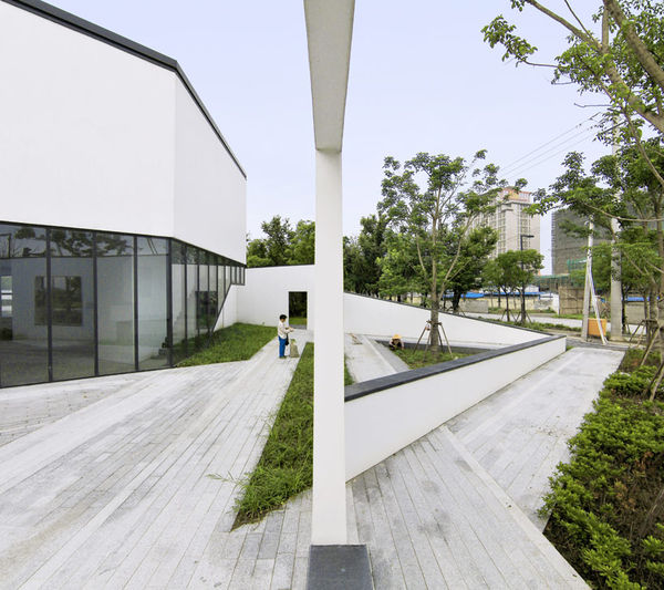 Angled Wall Architecture
