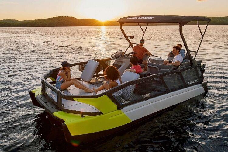 Customizable Pontoon Boats : Sea-Doo Switch