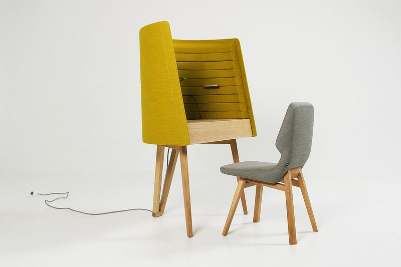 Enveloping Private Work Desks