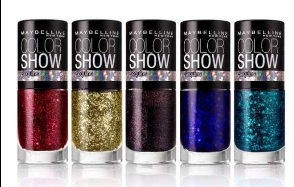 Glittery Holiday Nails