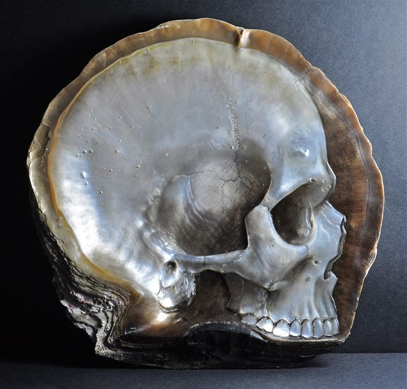 Pearl Skull Carvings