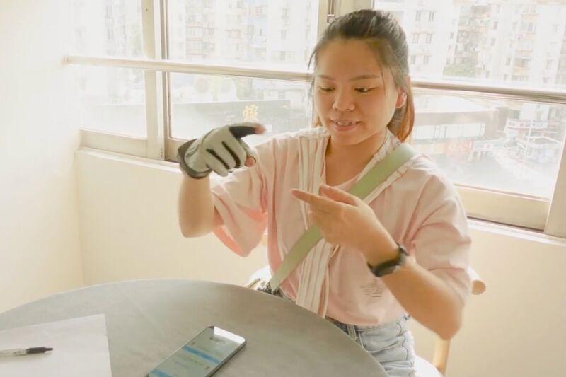 Sign Language-Translating Gloves