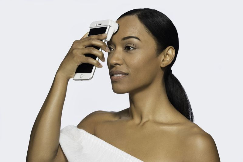 15 Phone-Powered Beauty Accessories - These Skincare Accessories Provide Personalized Analyses (TrendHunter.com)