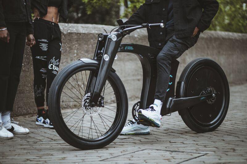 Featherweight Smart E-Bikes