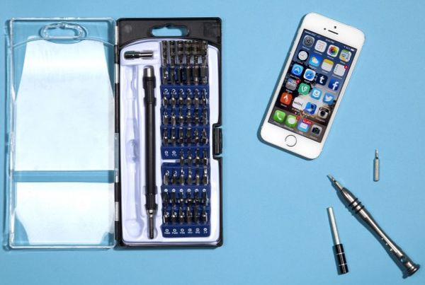 Smartphone Self-Repair Kits