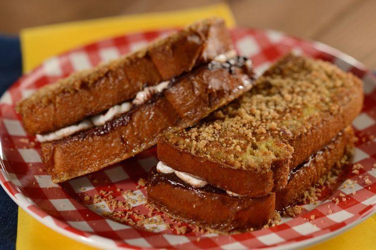 Marshmallow-Stuffed Sandwiches