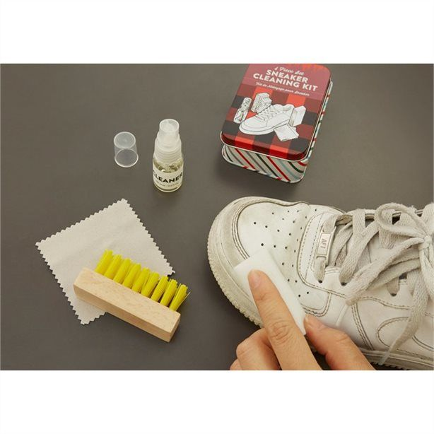 Shoe-Cleaning Kits