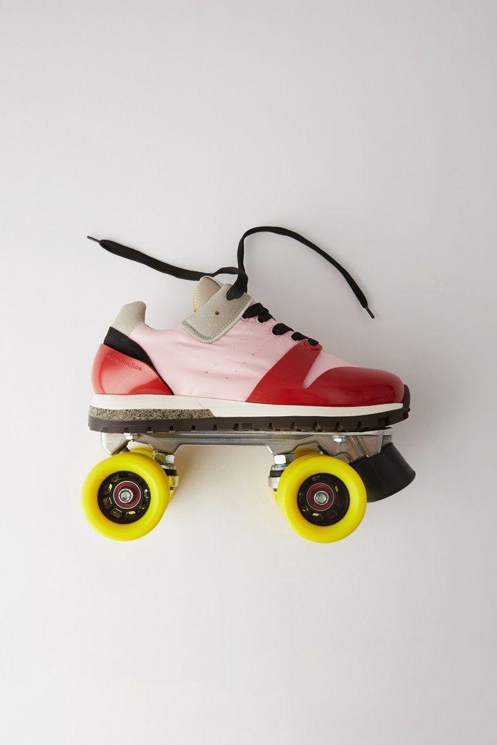 Retro Sneaker Roller Skates