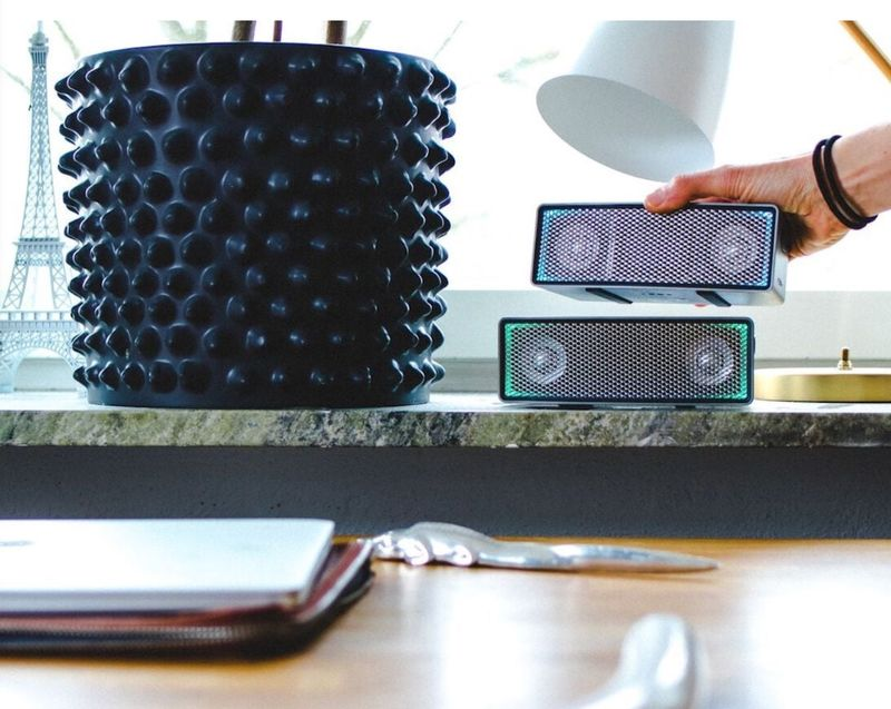 Customizable Stacking Speakers