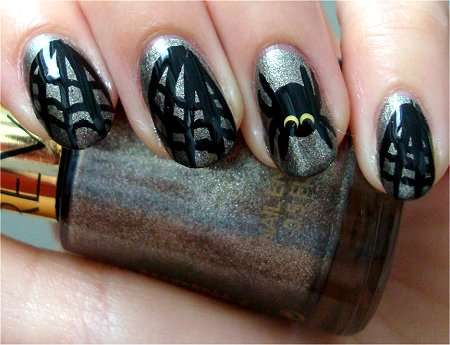 Creepy Halloween Manicures