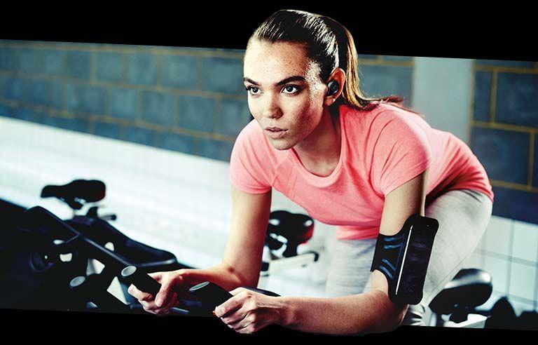 Workout-Monitoring Headphones