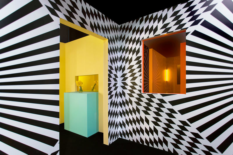 Strong Visually Stimulating Installations