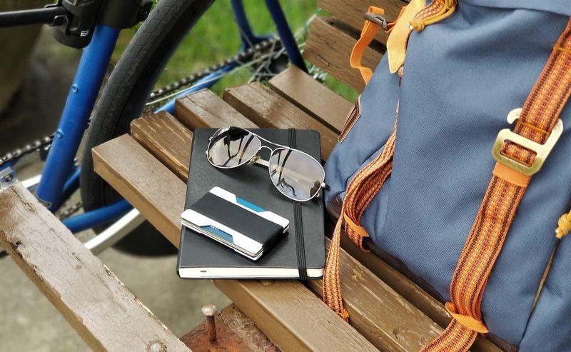 Minimalist Key-Carrying Wallets