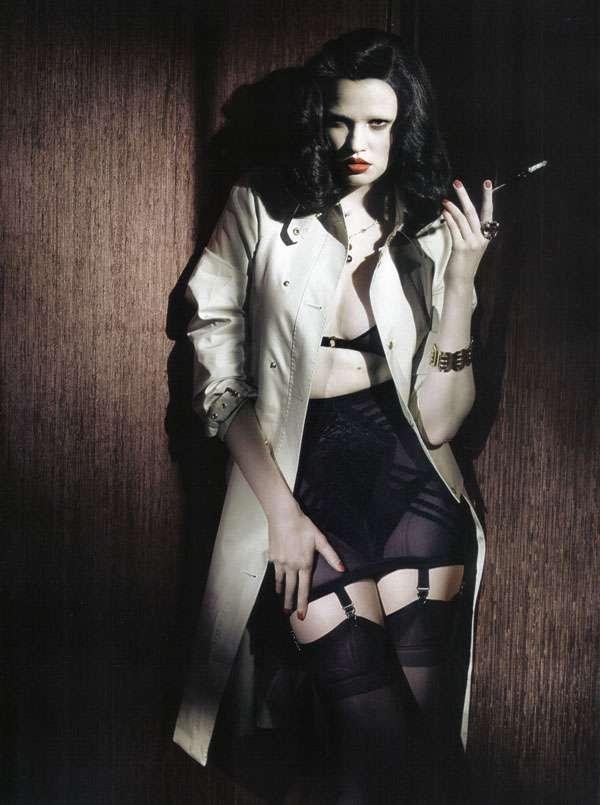 Lara Stone, Femme Fatale