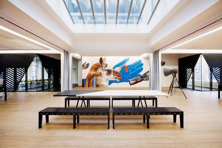 Modern Gallery Workspaces