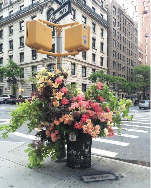Sculputural Floral Bouquets