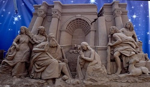 Hyper-Detailed Sand Carvings