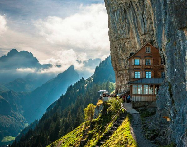 Majestic Mountainside Guesthouses