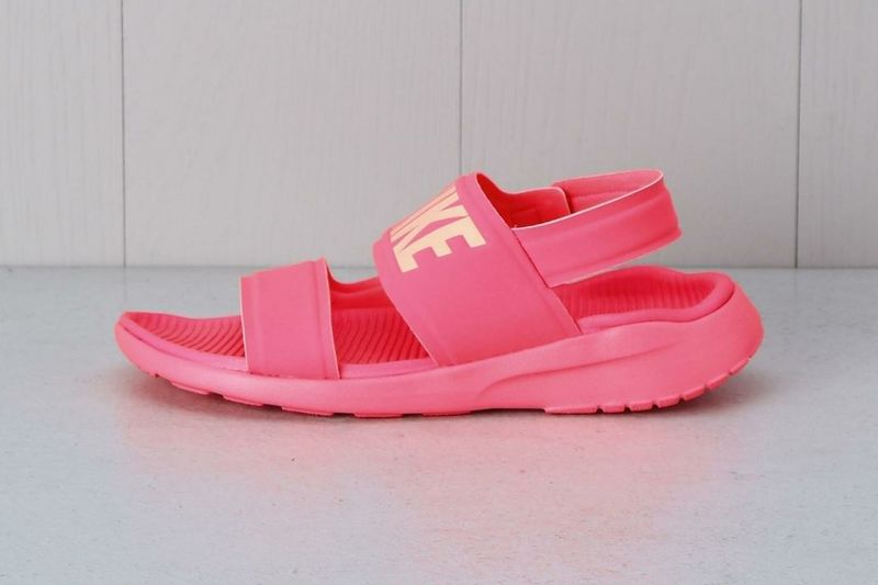 Feminine Function-Focused Sandals