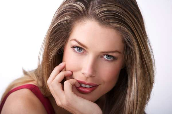 Tara Moss, Author of 'Siren' (INTERVIEW)