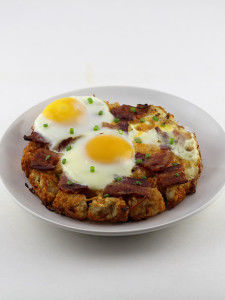 Tot-Bottomed Breakfast Pizzas
