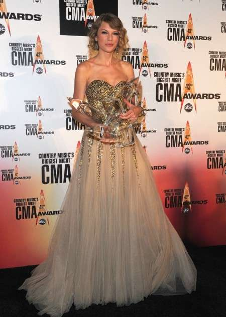 Country Music Gold Gowns The Taylor Swift Cma Dress Is A Flowing Gauze Number