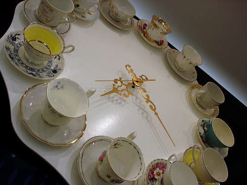 DIY Vintage Teacup Clocks
