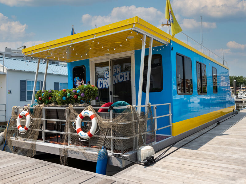Branded Houseboat Accommodations
