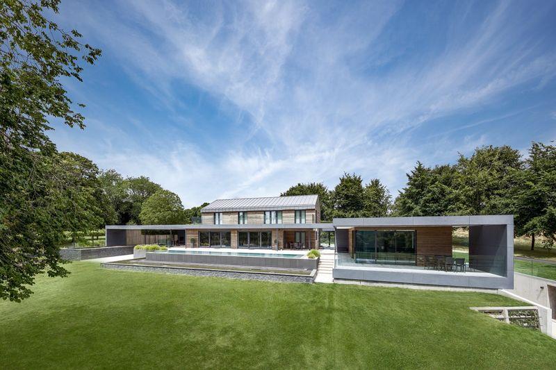 Luxuriously Designed Farm Houses