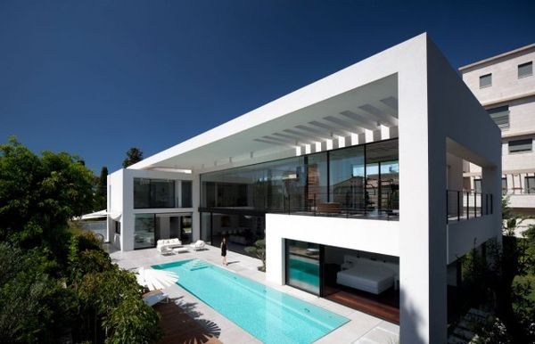 Historically Minimalist Mansions