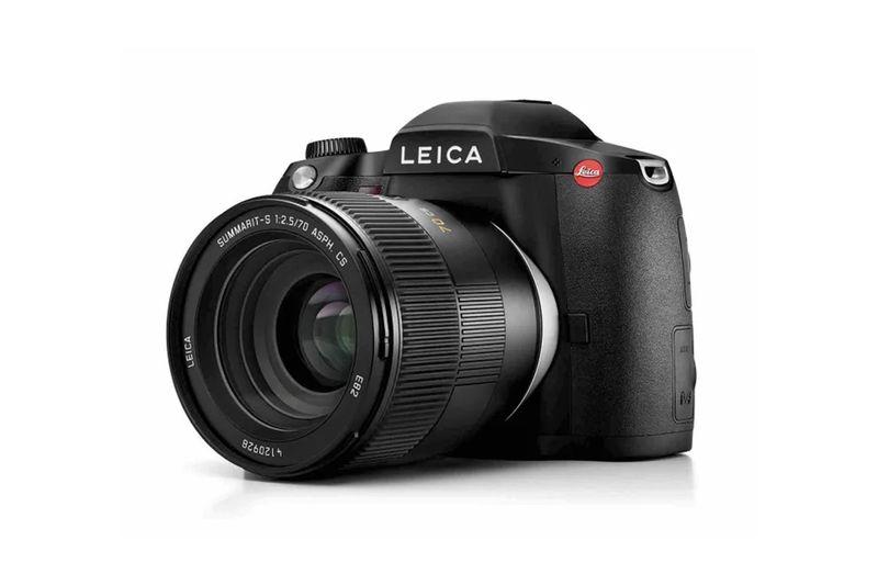 Versatile Mid-Range DSLR Cameras