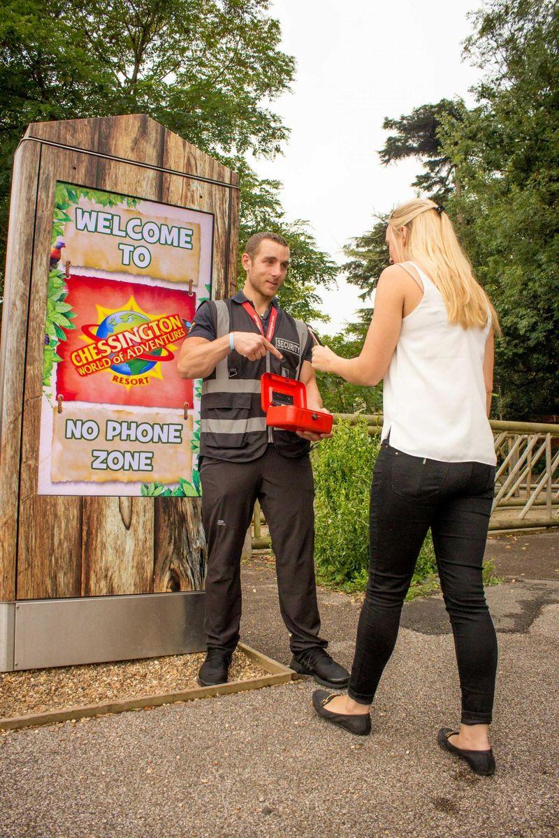 Phoneless Theme Park Promotions