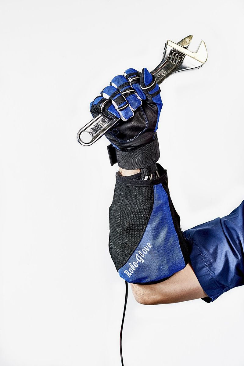 Pain-Relieving Robotic Gloves
