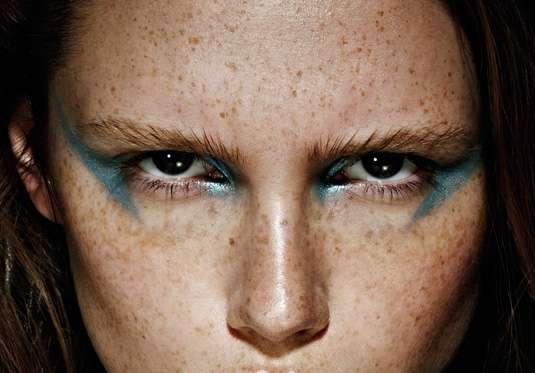Mesmerizing Metallic Makeup